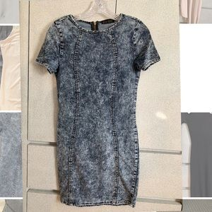 Short sleeved denim bodycon dress